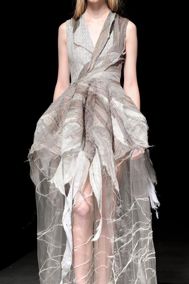 yiqing-yin-details-haute-couture-spring-2014-pfw1