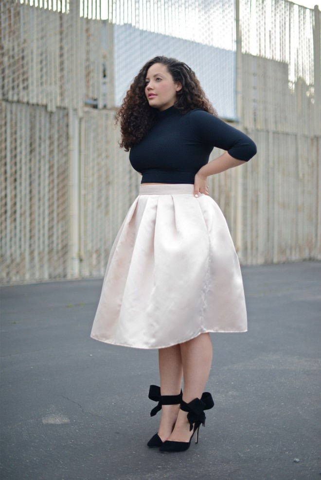 Girl with Curves in Blush and Black