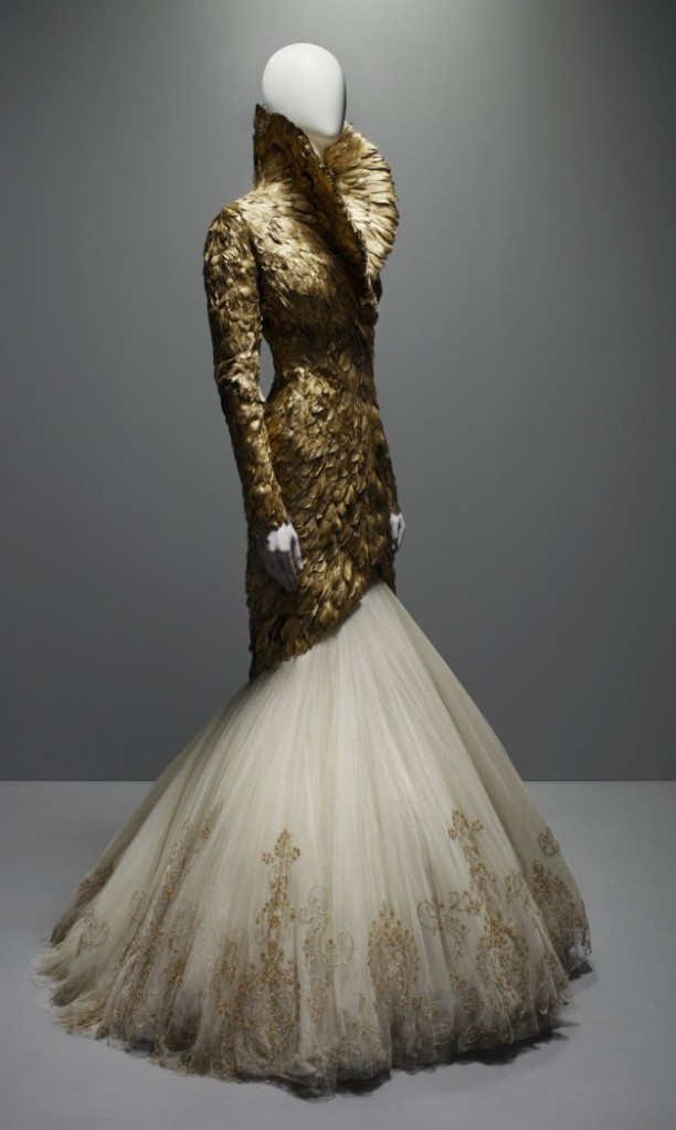 GOLD FEATHERS MCQUEEN