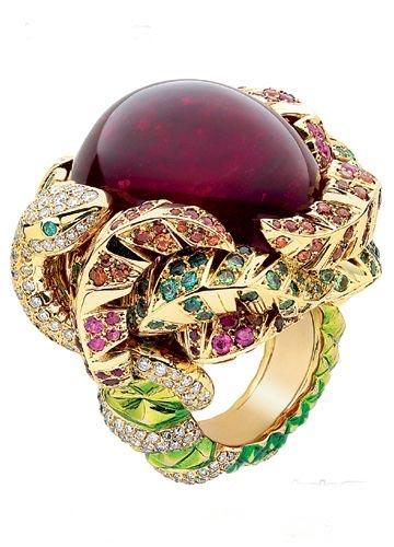 Victoire-de-Castellane-for-Dior-Fine-Jewelry-Rings-2010-New-Creation