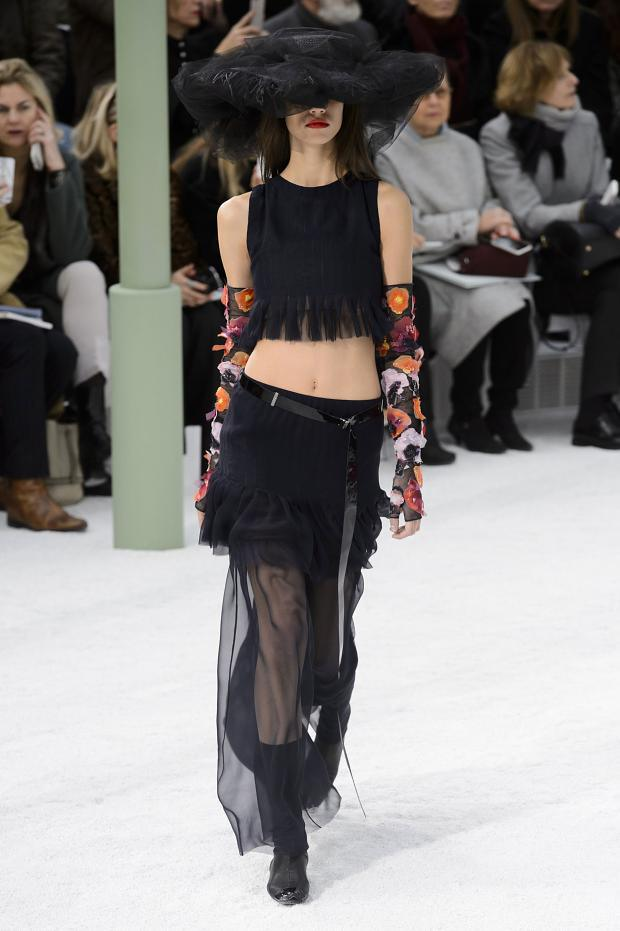 chanel-haute-couture-spring-2015-pfw45