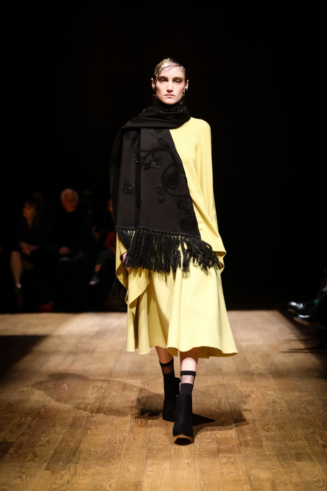 Josie Natori Fall 2015 on Style.com