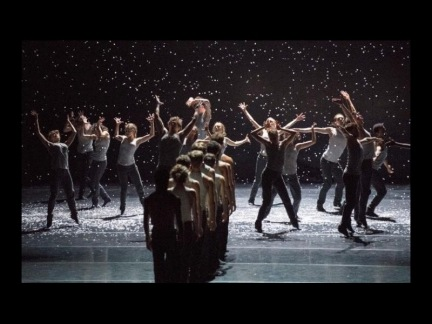 Image from Flight Pattern, performed by The Royal Ballet, choreographer: Crystal Pite
