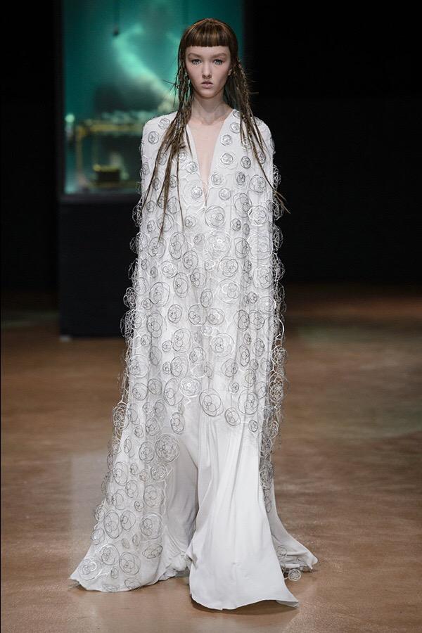 Haute Couture: Iris Van Herpen Fall 2017