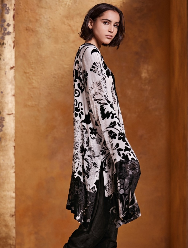 Urban Zen Orient Express Resort Collection: Wallpaper Devore Tunic