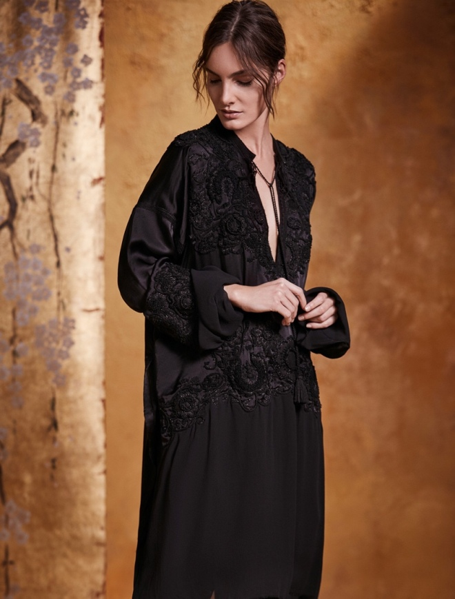 Urban Zen Orient Express Resort Collection: Climbing Vine Embroidered Tunic