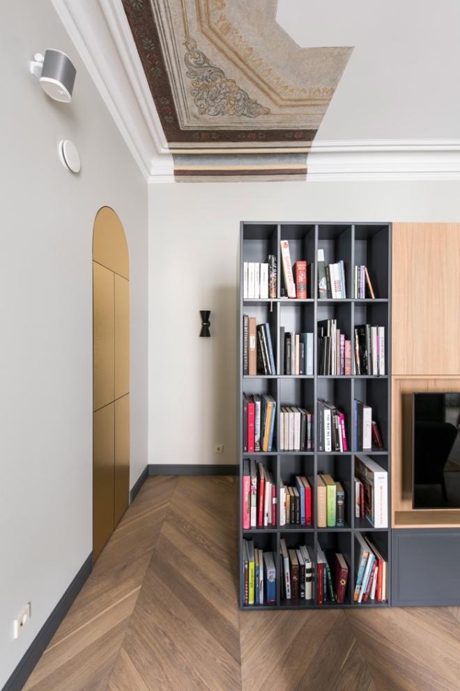 Apartment in Vilnius via @Dezeen. Interior Design: Kristina Lastauskaitė-Pundė. Photography is by Leonas Garbačauskas.
