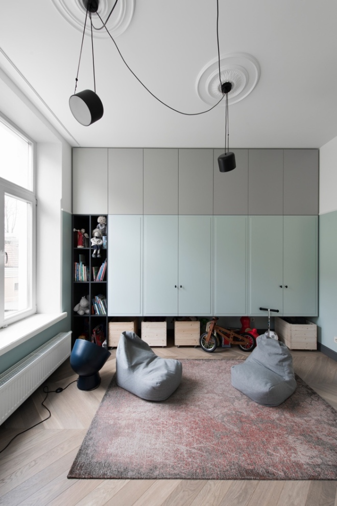 Apartment in Vilnius via @Dezeen. Interior Design: Kristina Lastauskaitė-Pundė. Photography is by Leonas Garbačauskas.