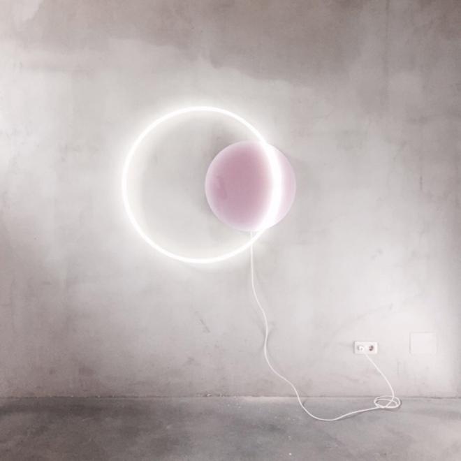 Sabine Marcelis, Voie Light Medium Hanging, Dusty Pink and White Neon