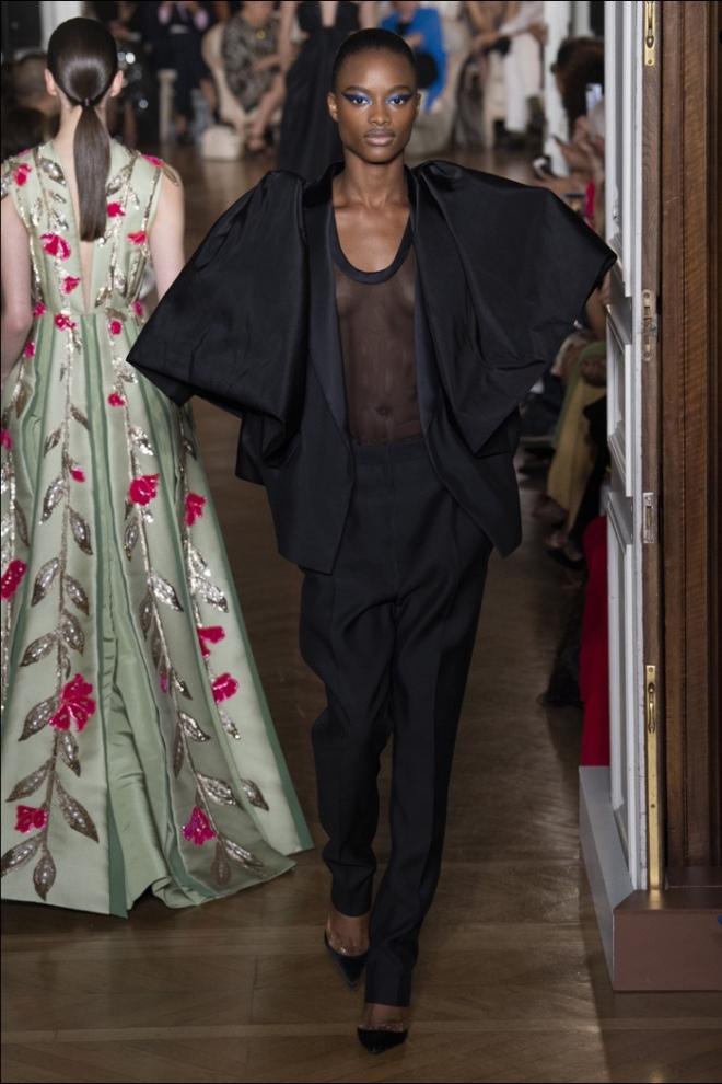 Valentino Winter 2018 Haute Couture