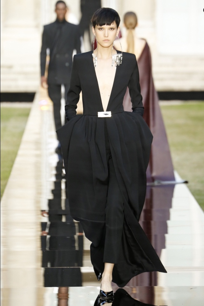 Givenchy Winter 2018 Haute Couture